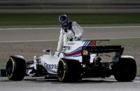 BAHRAIN, BAHRAIN - APRIL 16:  Lance Stroll of Canada driving the (18) Williams Martini Racing Williams FW40 Mercedes stops on circuit during the Bahrain Formula One Grand Prix at Bahrain International Circuit on April 16, 2017 in Bahrain, Bahrain.  (Photo by Lars Baron/Getty Images)