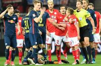 Leipzig doet goede zaken om plek in Champions League