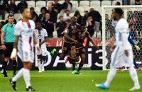 Lyon lijdt forse nederlaag ondanks assist Memphis