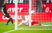 RB Leipzig pas in blessuretijd voorbij Leverkusen