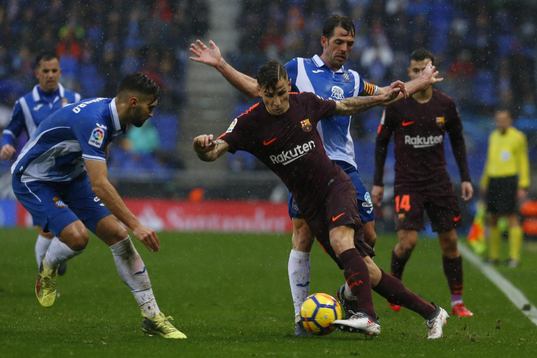 Barça is verdediger Piqué heel erg dankbaar voor late ...