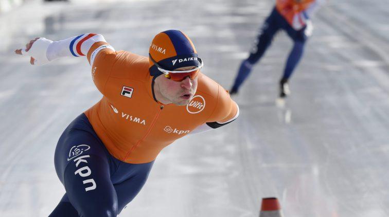Kramer deelt tik uit in rechtstreeks duel met Roest op 1500 meter bij EK allround | Sportnieuws