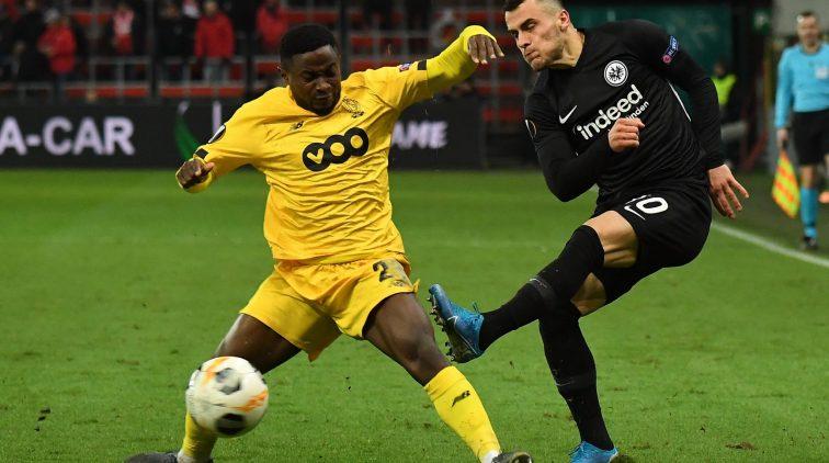 Standaard Luik beduvelt scheidsrechter, scheidsrechter, gele kaart, twee keer geel