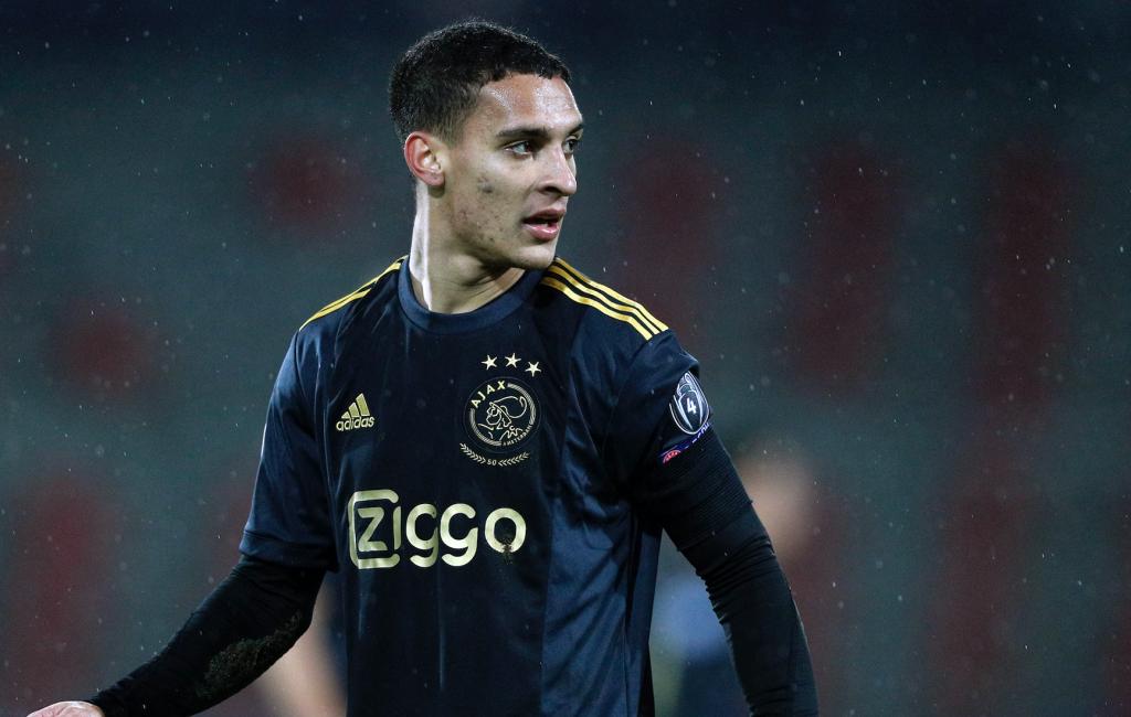 Ajax in ongebruikelijke kleurencombinatie tegen Lille: 'Afgrijselijk, staan gelijk met 1-0 achter' - Sportnieuws.nl