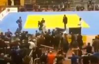 Judo Dagestan toernooi vechtpartij losgaan fittie fight mega ossetie rusland judotoernooi