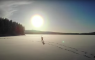 YouTuber hardlopen sneeuw ijs Zweden -20 boom