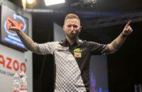 danny-noppert-mede-door-170-finish-naar-kwartfinales-ek-darts